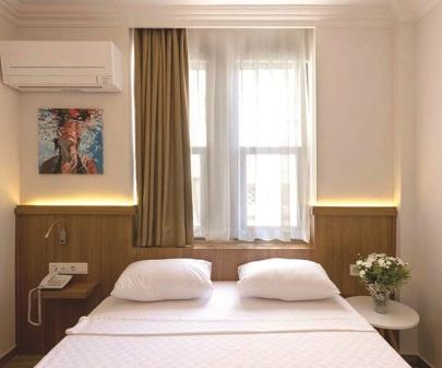 Sun Comfort Hotel Otel Odası İç Mimari Tasarım ve Uygulama, Alanya, 2019. Tasarım: Gökhan Sipahioğlu İç Mimarlık, Fotoğraf: Gökhan Sipahioğlu İç Mimarlık'ın izniyle.